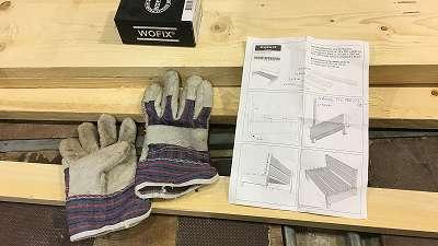 handschoenen en bouwtekening